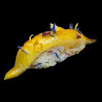 Nigiri yellowtail, azafrán & flores